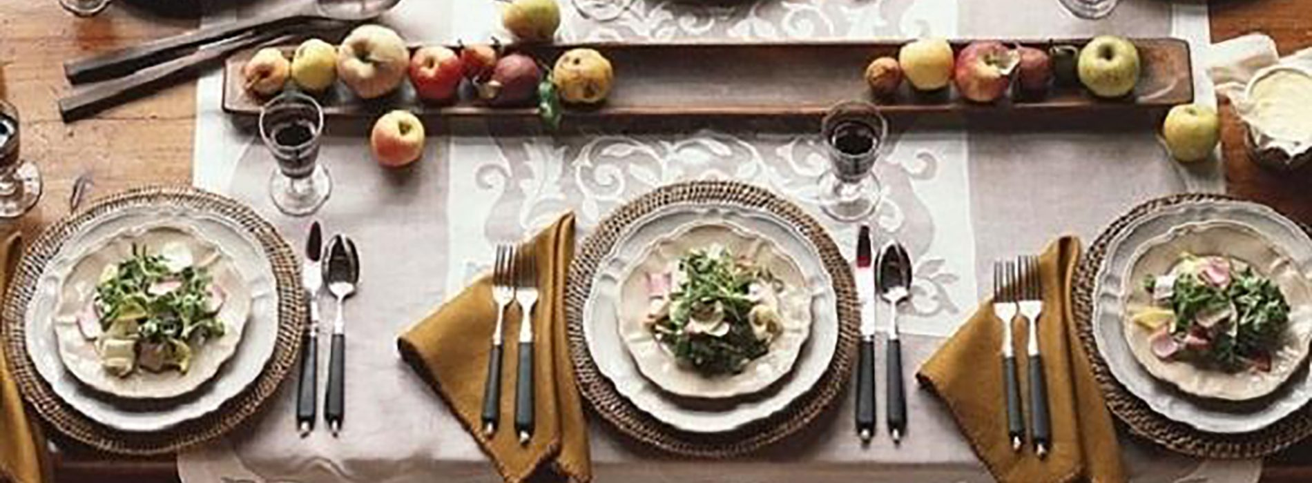 Table setting ideas for a simple dinner